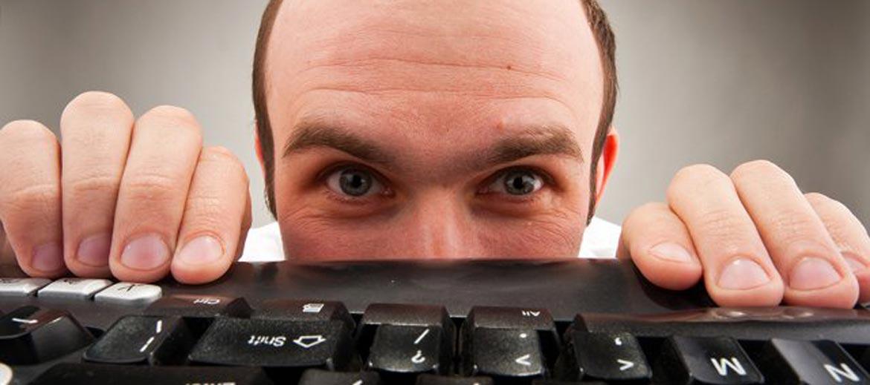 Batalla contra mensajes malintencionados en su página